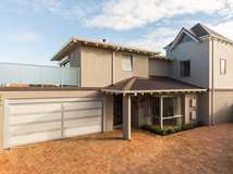 1b Elvire Street, Watermans Bay