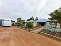 4 Midsummer Circle, Pinjarra