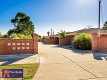 Unit 5/15 Golf Road, Parkwood