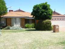 90 Balladong Loop, Carramar