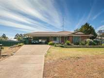 7 Shepherds Turn, Boddington