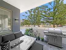2 /22 Heirisson Way, North Coogee